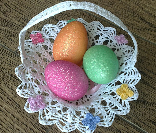 Crochet basket for Easter eggs