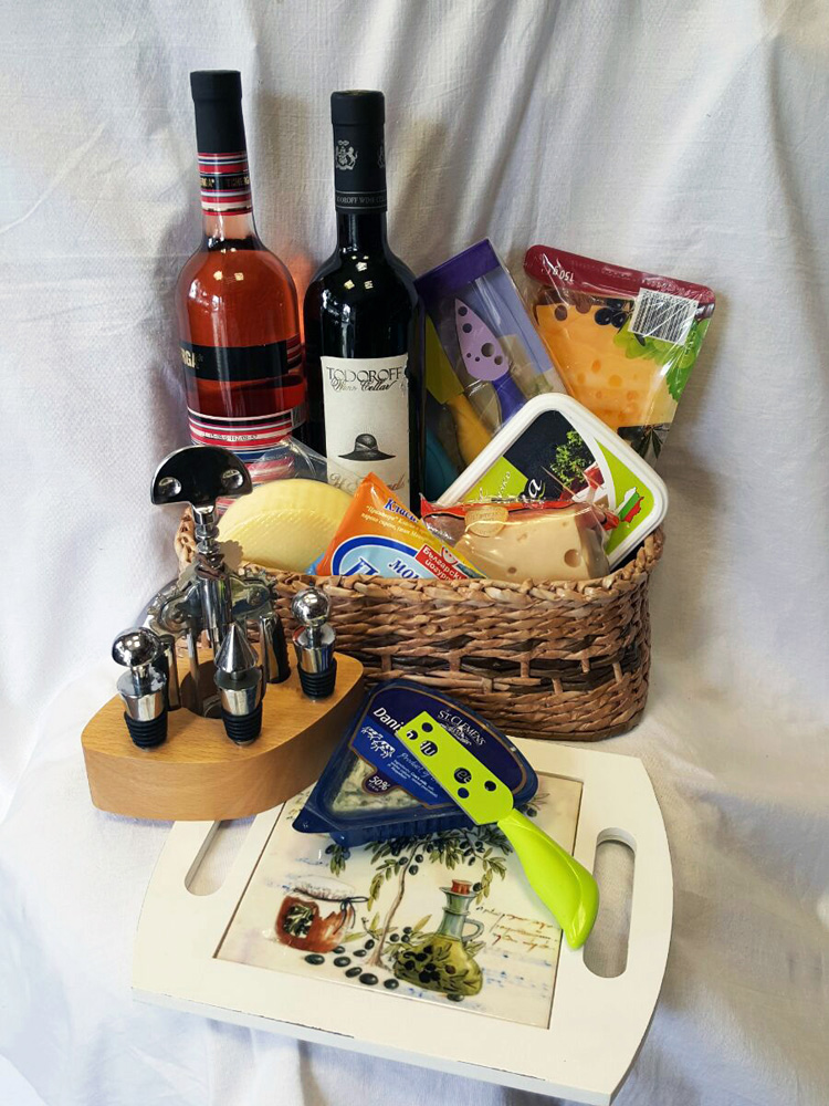 Wine basket and 6 types of cheeses