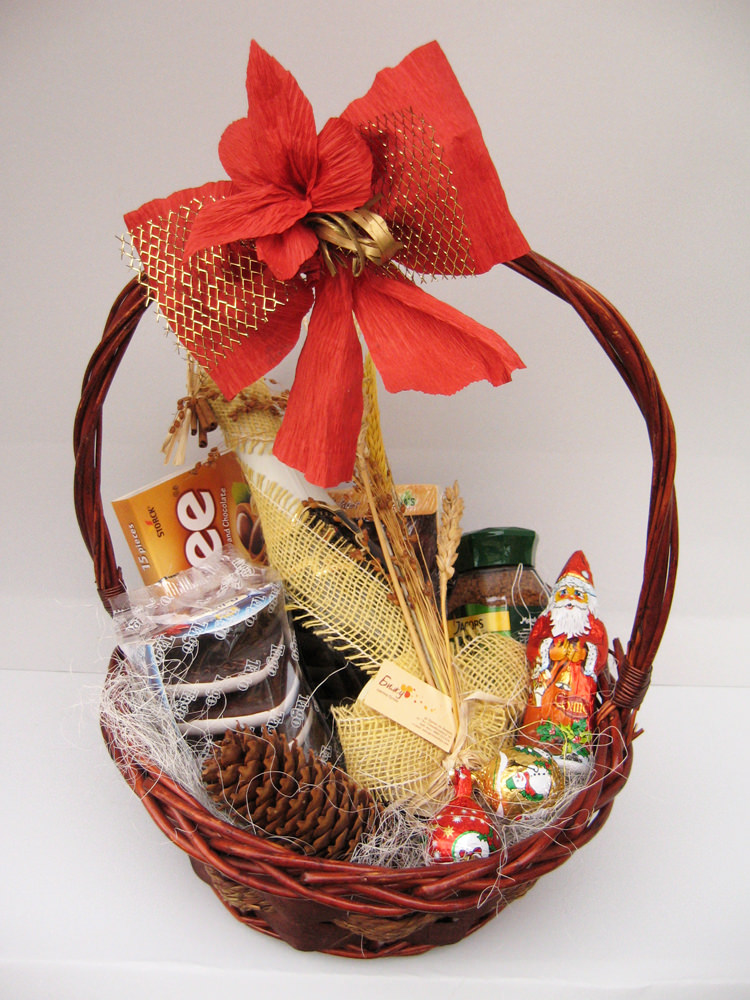 Christmas Gift Basket to a business partner
