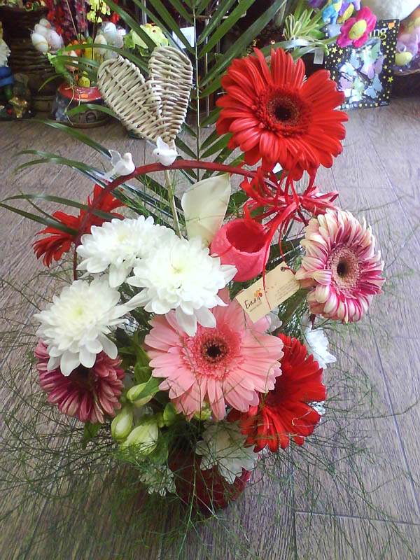 Basket with natural flowers - Together Forever