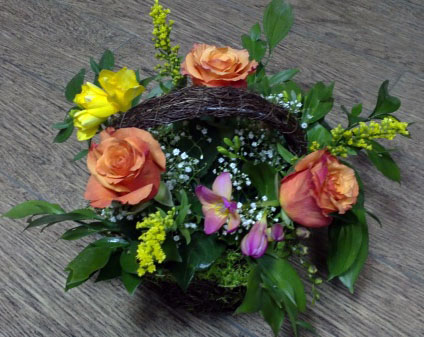 Basket with flowers - Christy