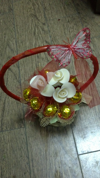 Sugar Roses Basket