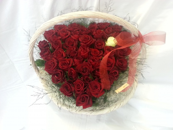 Heart of roses Flower Basket