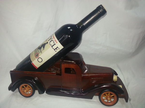 Wooden wine rack for truck
