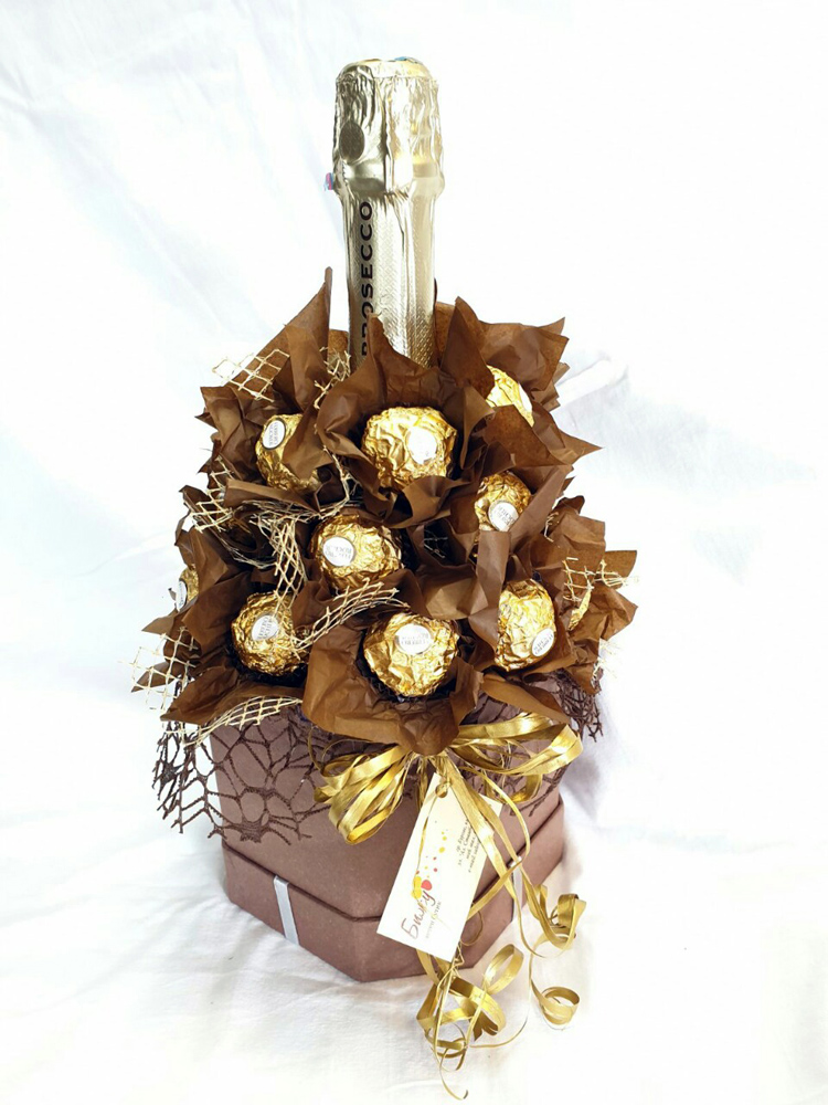 Martini Prosecco end Ferrero Rocher